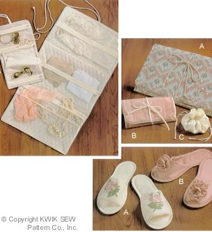 Kwik Sew slippers & accessory bags 1945