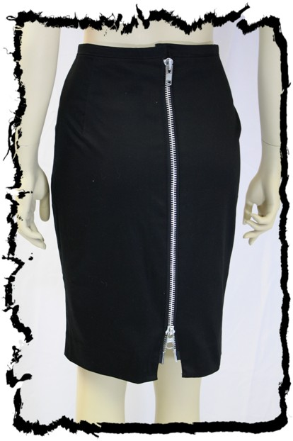 Exposed zipper slit on a pencil skirt