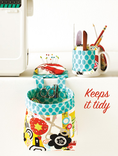 Kwik Sew Pouch with Pincushion and Cup Organizer 3886