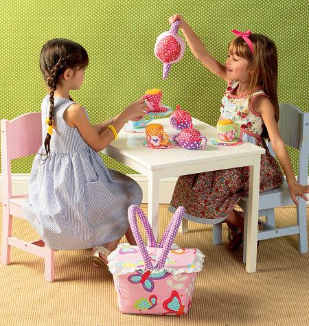 Kwik Sew Fabric Tea Set and Basket 4006
