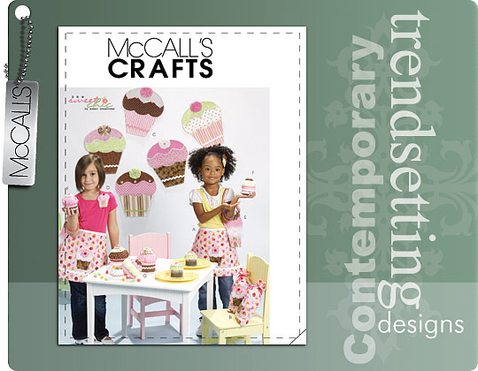 McCall's TREAT BAG, APRON, WALL DECORATION, HEADBAND, PURSE, PIN AND GIFT BOX IN 2 SIZES 6052