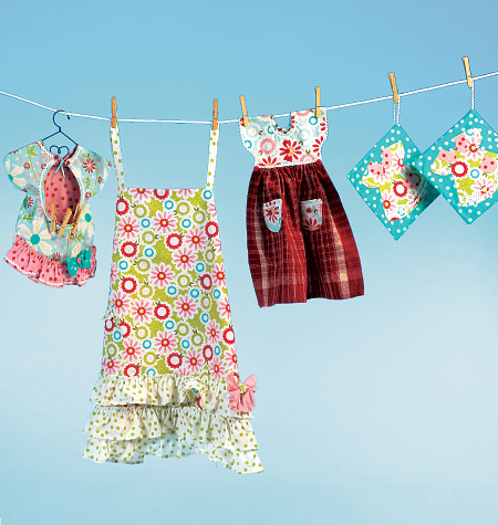 McCall's Apron, Potholders, Towel and Clothespin Bag 6769