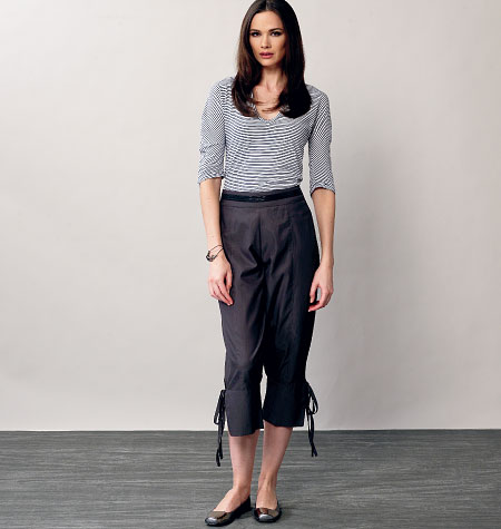 Vogue Patterns Misses'/Misses' Petite Shorts and Pants 8883