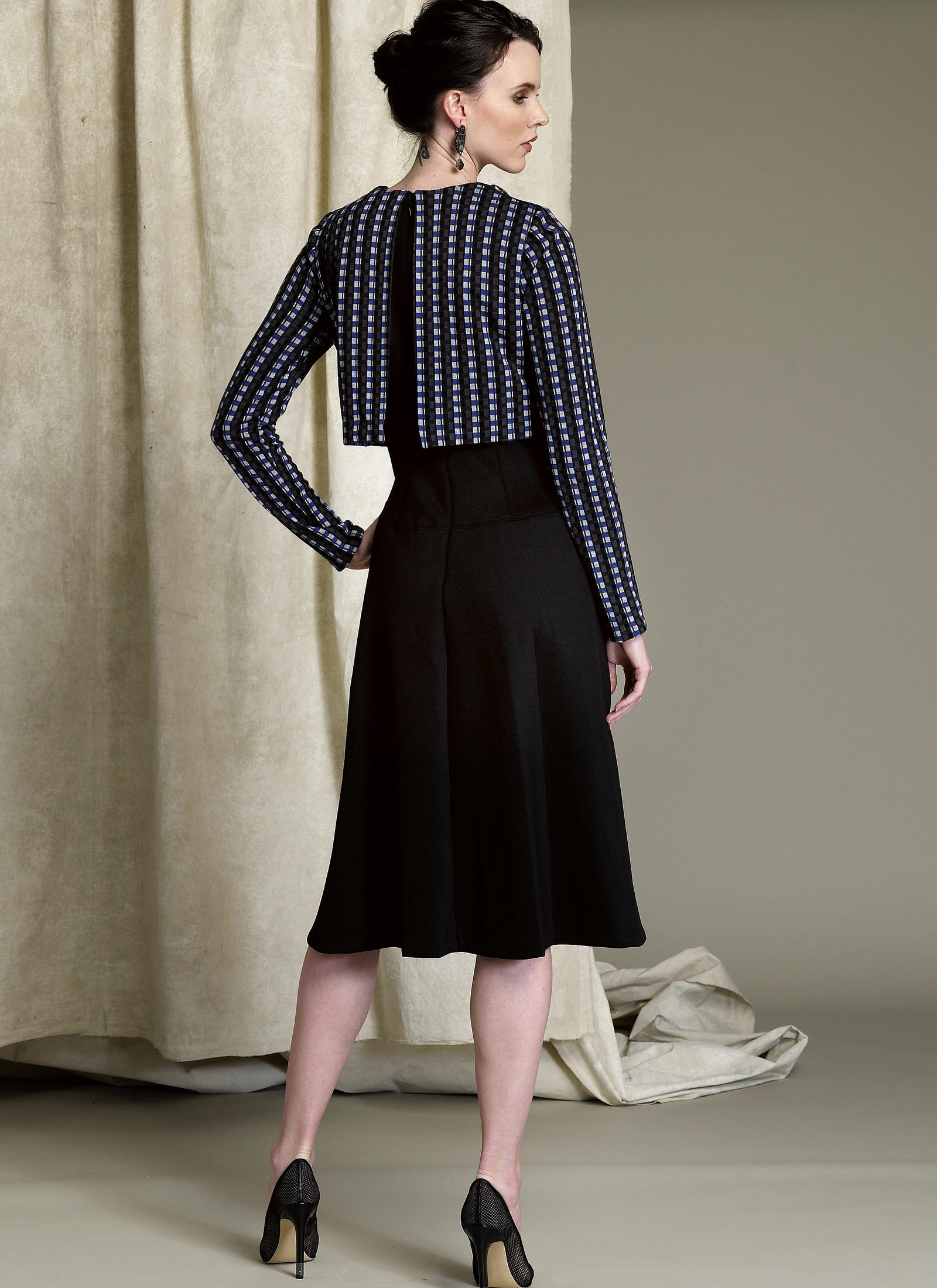 Vogue Patterns 1512 MISSES POPOVER MIDI DRESS sewing pattern