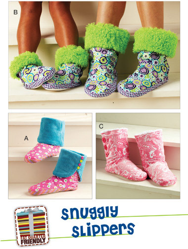 Kwik Sew 3926 Adult and Child\'s Snuggly Slippers